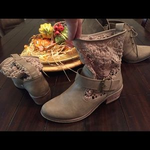 Lace leather nude taupe booties boots shoes Lucky
